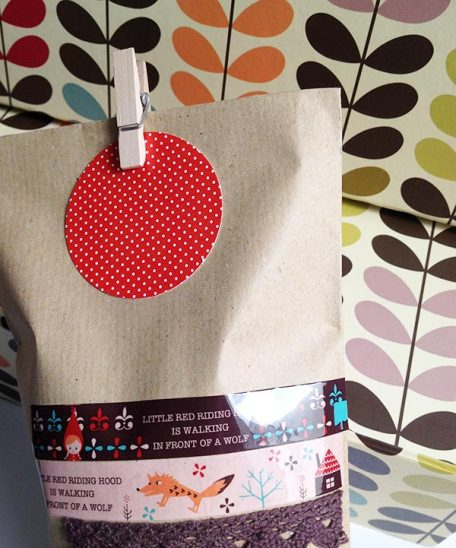 decorar kraft con washi tape